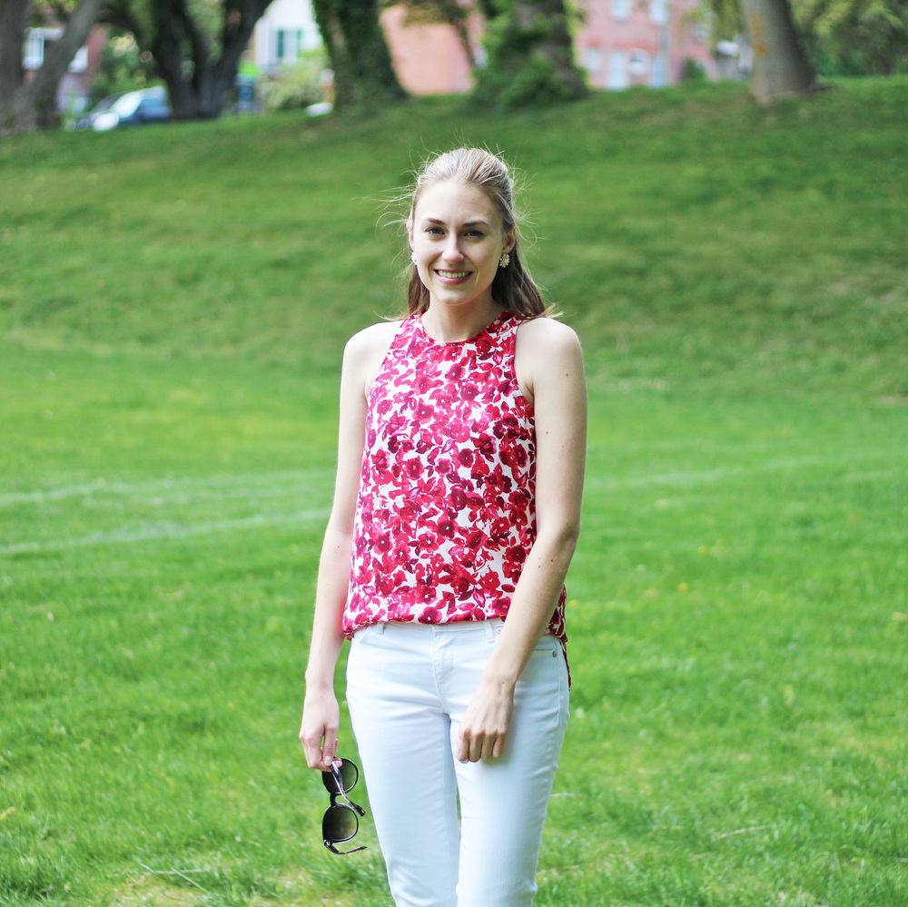 Who What Wear floral tank top + white denim outfit — Cotton Cashmere Cat Hair