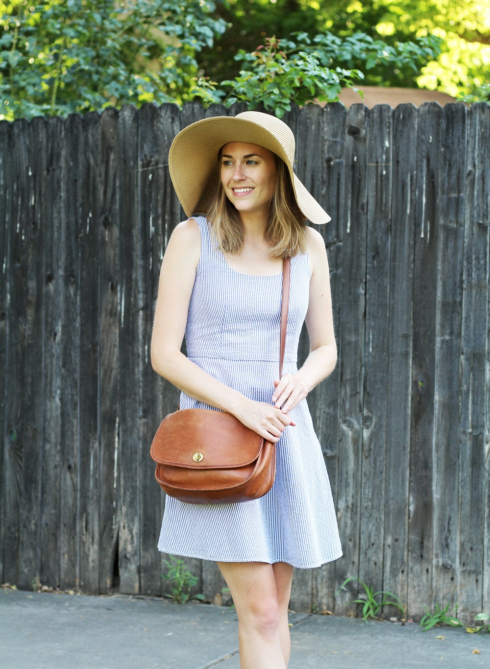 Seersucker dress outfit with floppy sun hat and vintage Coach bag — Cotton Cashmere Cat Hair