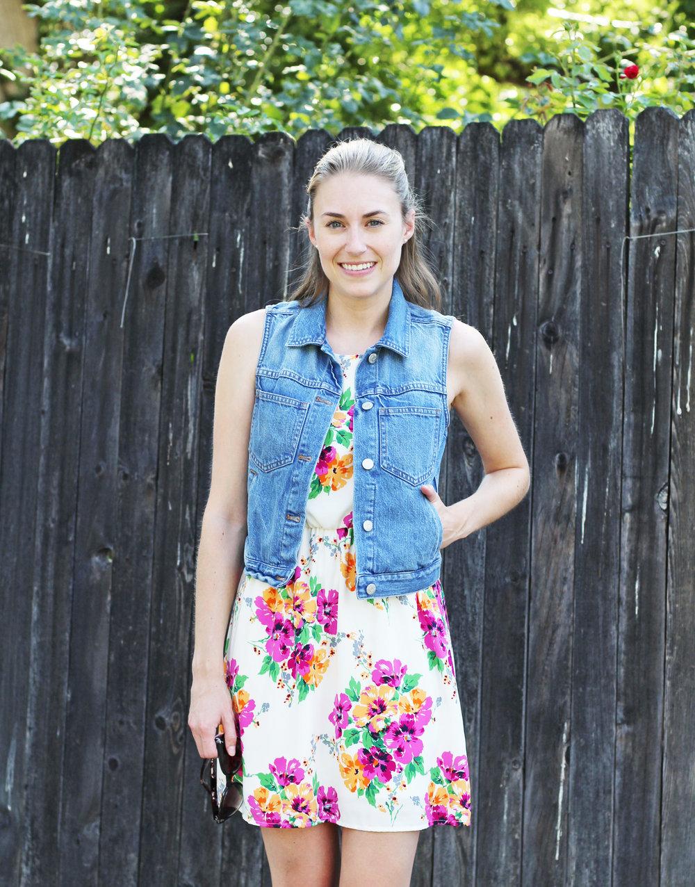 Summer outfit: Denim vest with floral dress — Cotton Cashmere Cat Hair