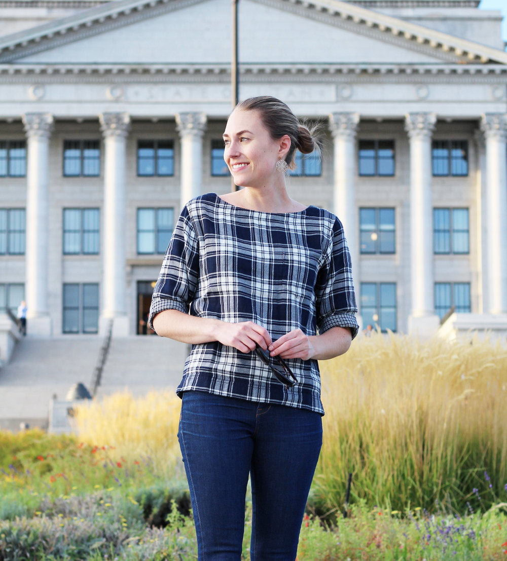 Madewell Herald Tee in Curtis Plaid + High-Rise Skinny Jeans in Davis Wash — Cotton Cashmere Cat Hair