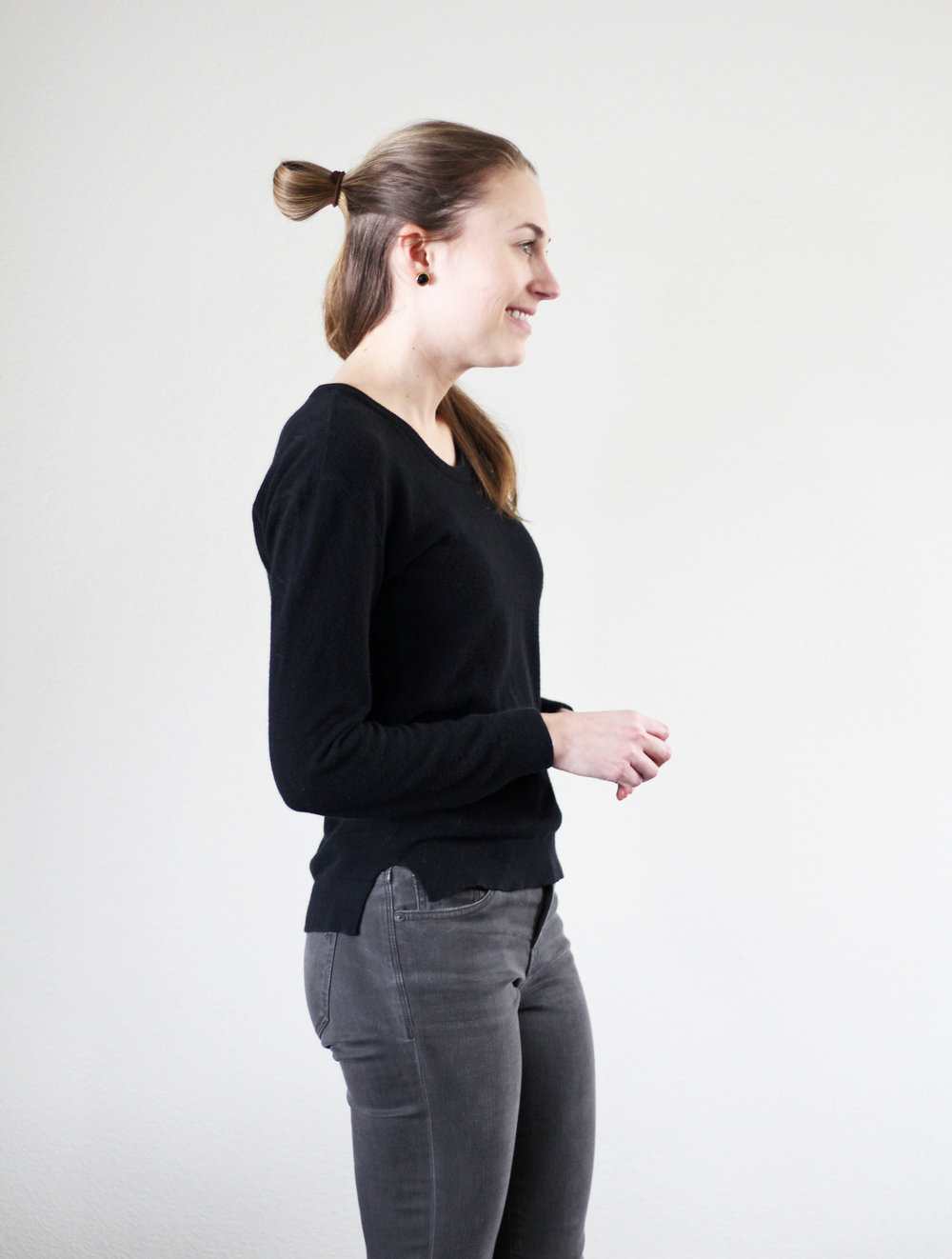Everlane black seed stitch sweater + Madewell grey skinny jeans — Cotton Cashmere Cat Hair