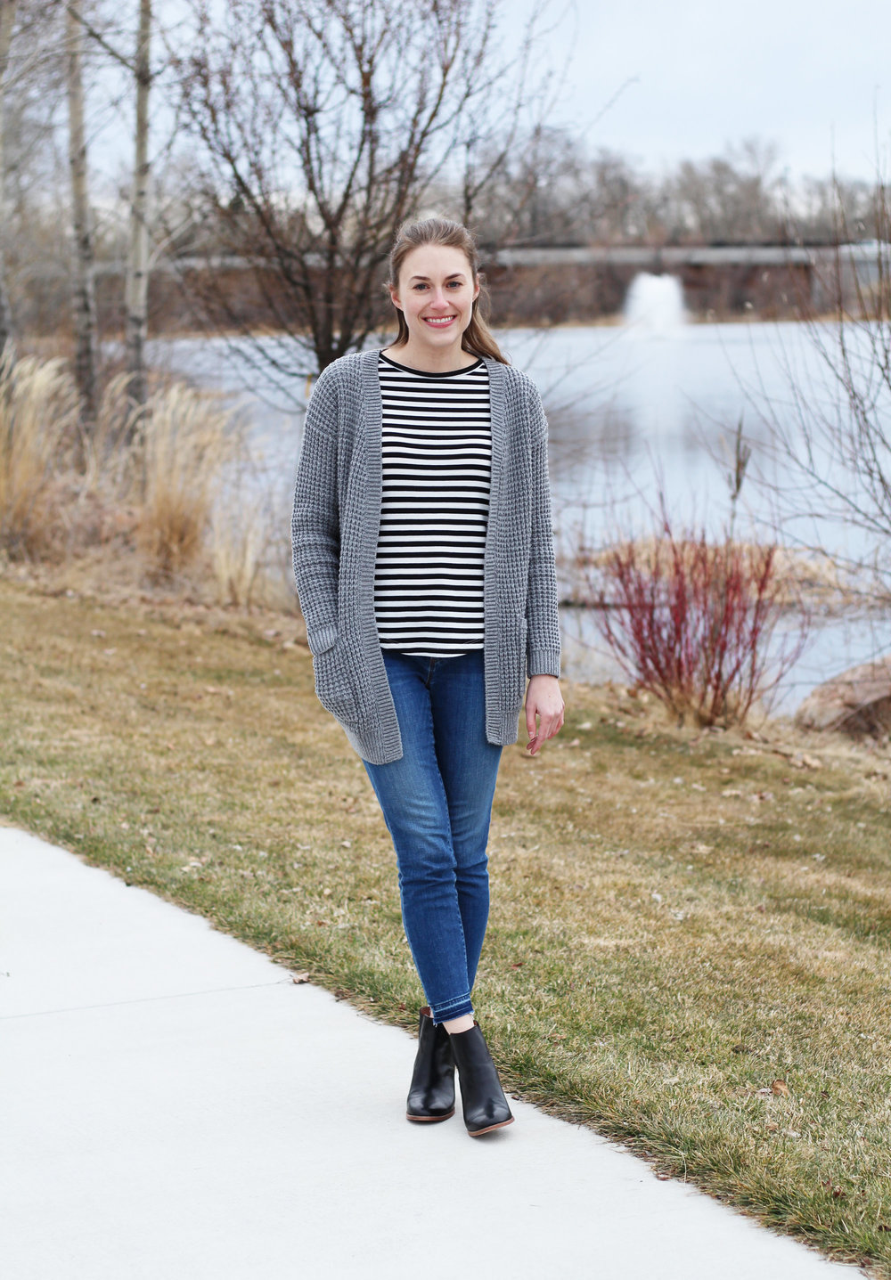 Chunky grey cardigan outfit with striped tee and skinny jeans — Cotton Cashmere Cat Hair