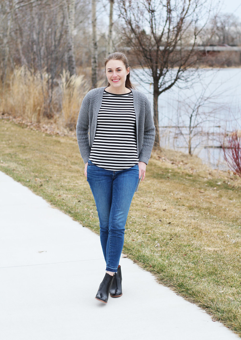 Late winter outfit with grey cardigan, striped tee, skinny jeans, chelsea boots — Cotton Cashmere Cat Hair