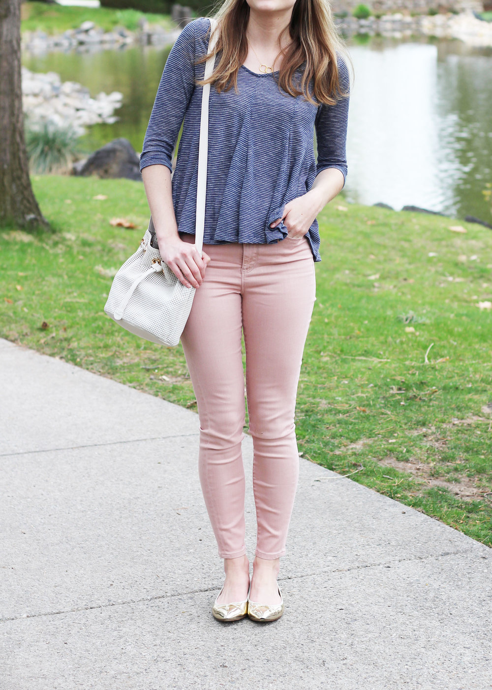 Spring outfit with navy striped top and blush pink skinny jeans — Cotton Cashmere Cat Hair
