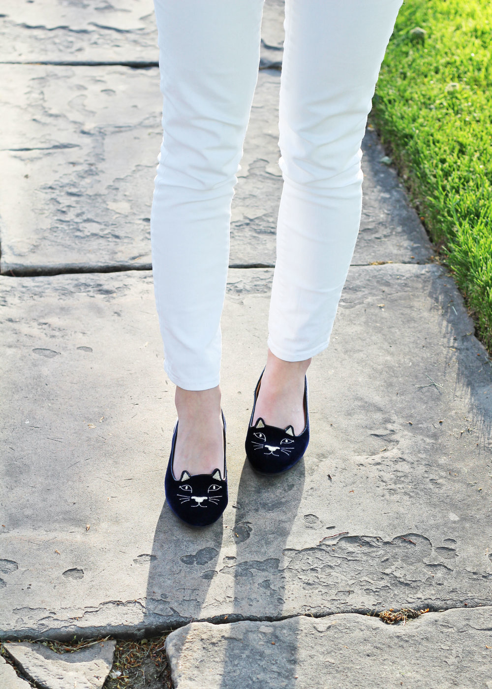 Charlotte Olympia 'Kitty' flats in navy outfit with white skinny jeans — Cotton Cashmere Cat Hair