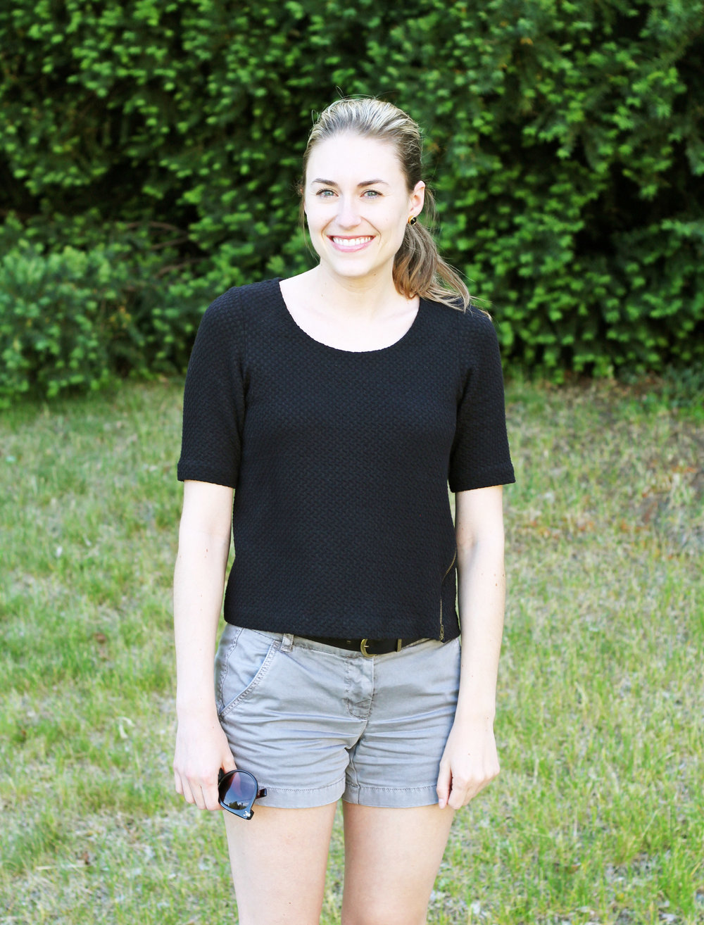 J.Crew grey chino shorts outfit with black top — Cotton Cashmere Cat Hair