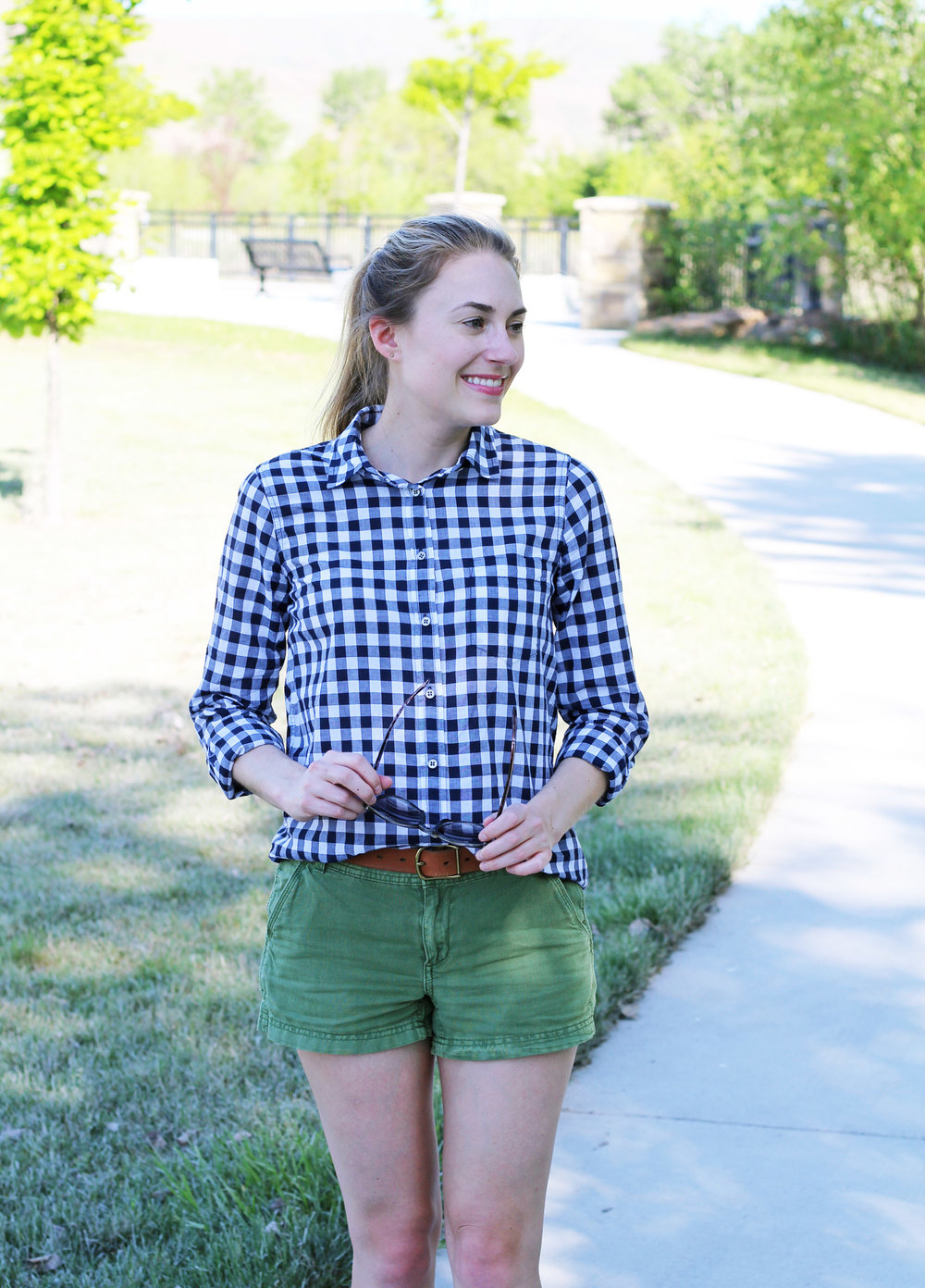 Spring outfit with navy gingham shirt and green shorts — Cotton Cashmere Cat Hair