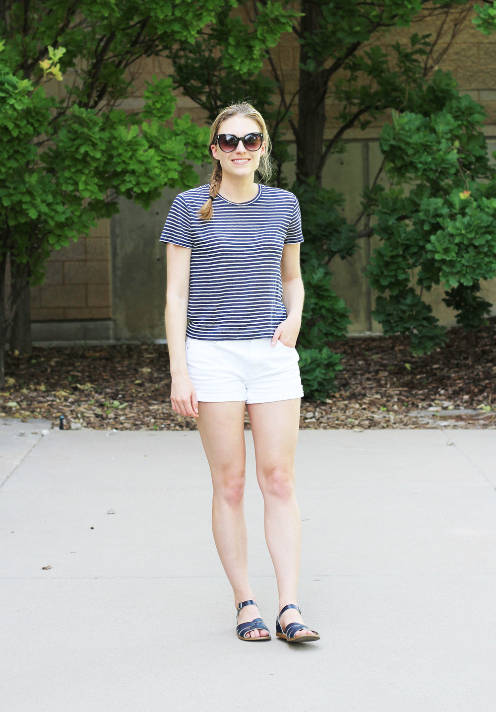 Spring/summer casual outfit, striped linen tee, white denim shorts — Cotton Cashmere Cat Hair