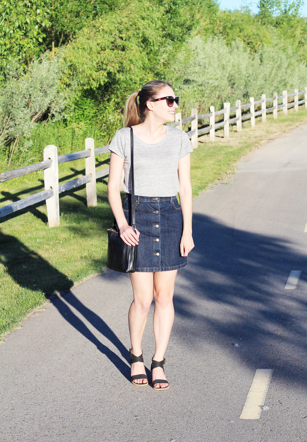 Summer casual outfit with linen tee and denim button-up skirt — Cotton Cashmere Cat Hair