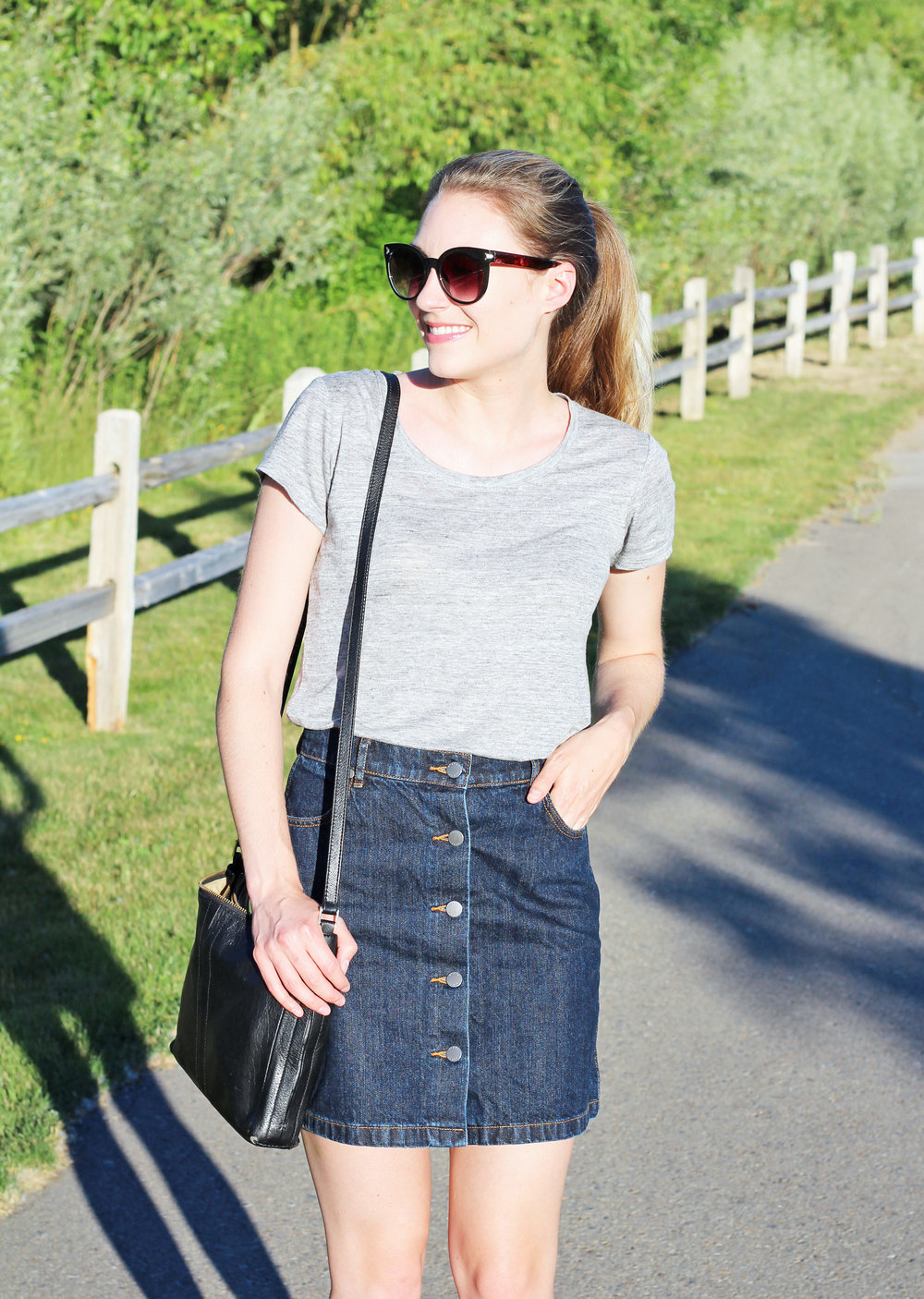 Everlane linen scoopneck tee outfit with denim mini skirt — Cotton Cashmere Cat Hair
