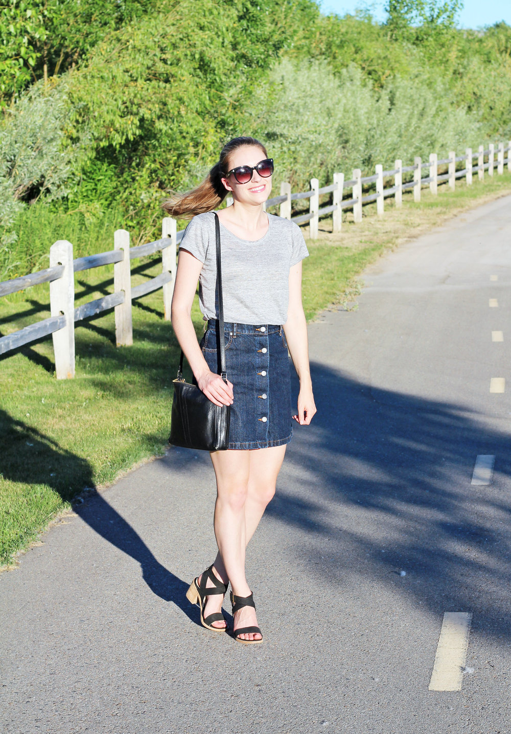 Simple casual summer outfit with grey linen tee and denim skirt — Cotton Cashmere Cat Hair