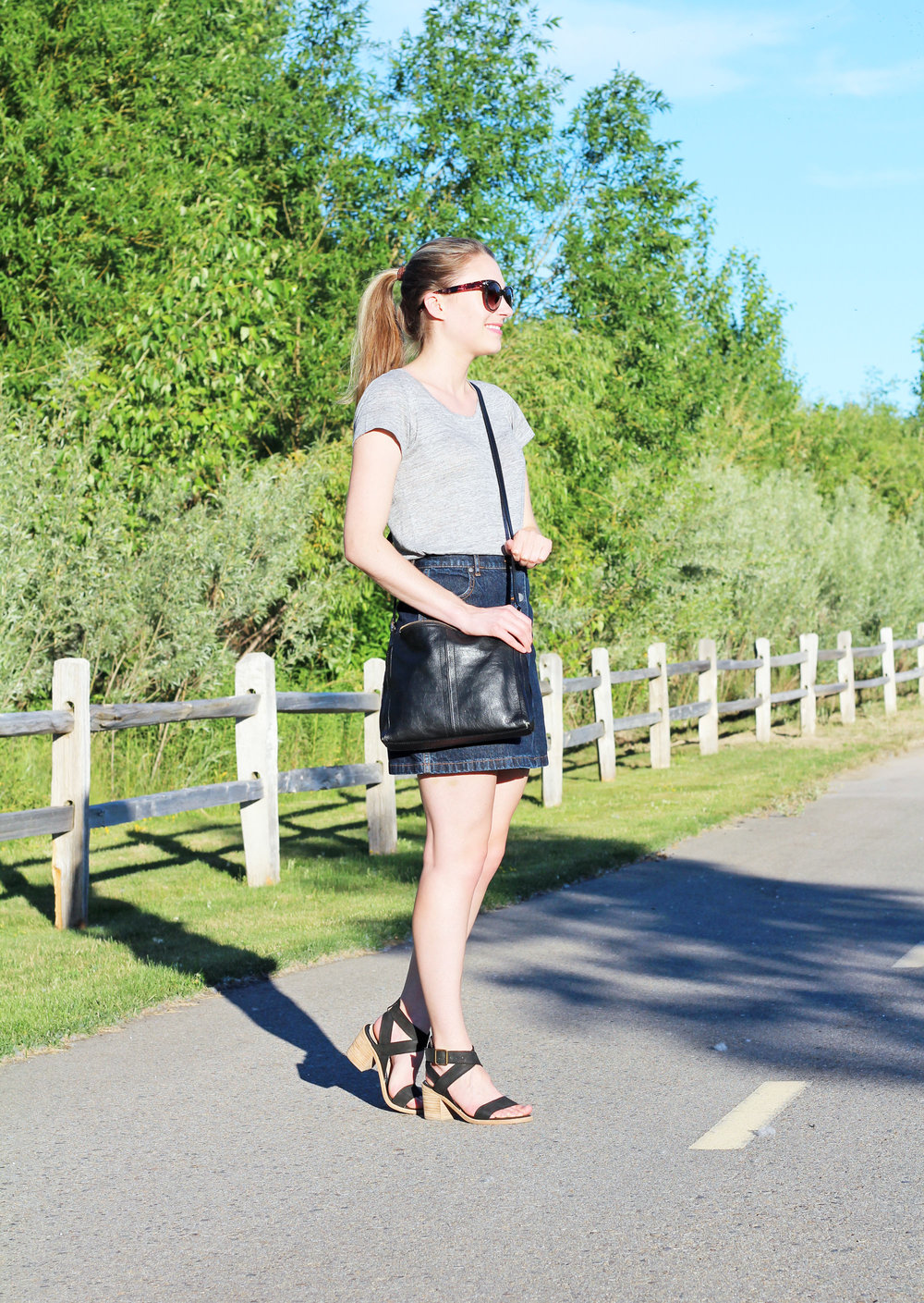 Denim mini skirt outfit with black bag and black sandals — Cotton Cashmere Cat Hair