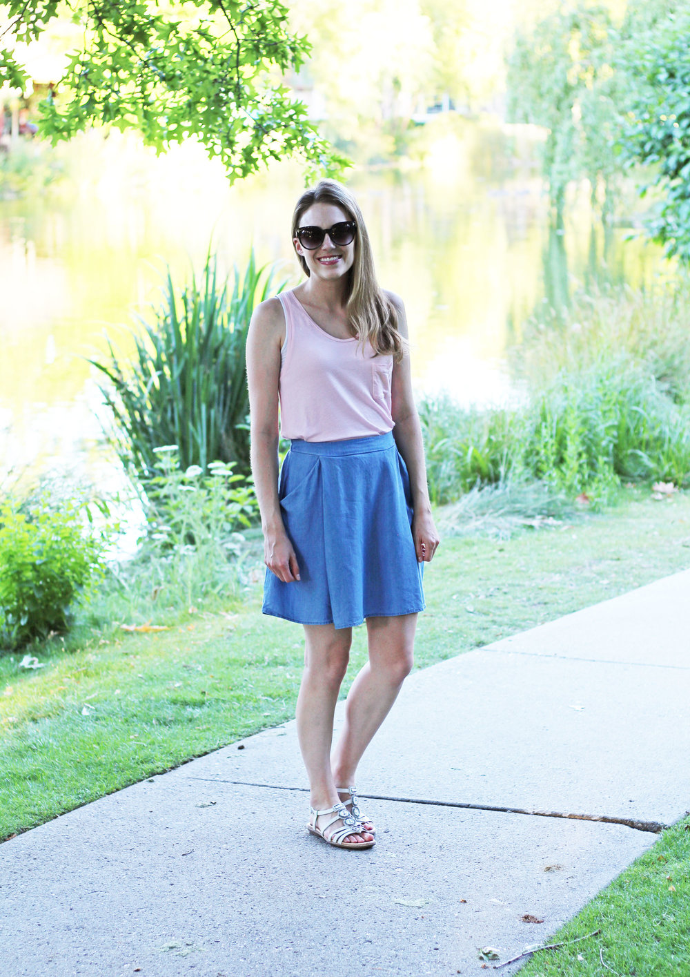 Chambray skirt summer outfit with pink tank top and white sandals — Cotton Cashmere Cat Hair
