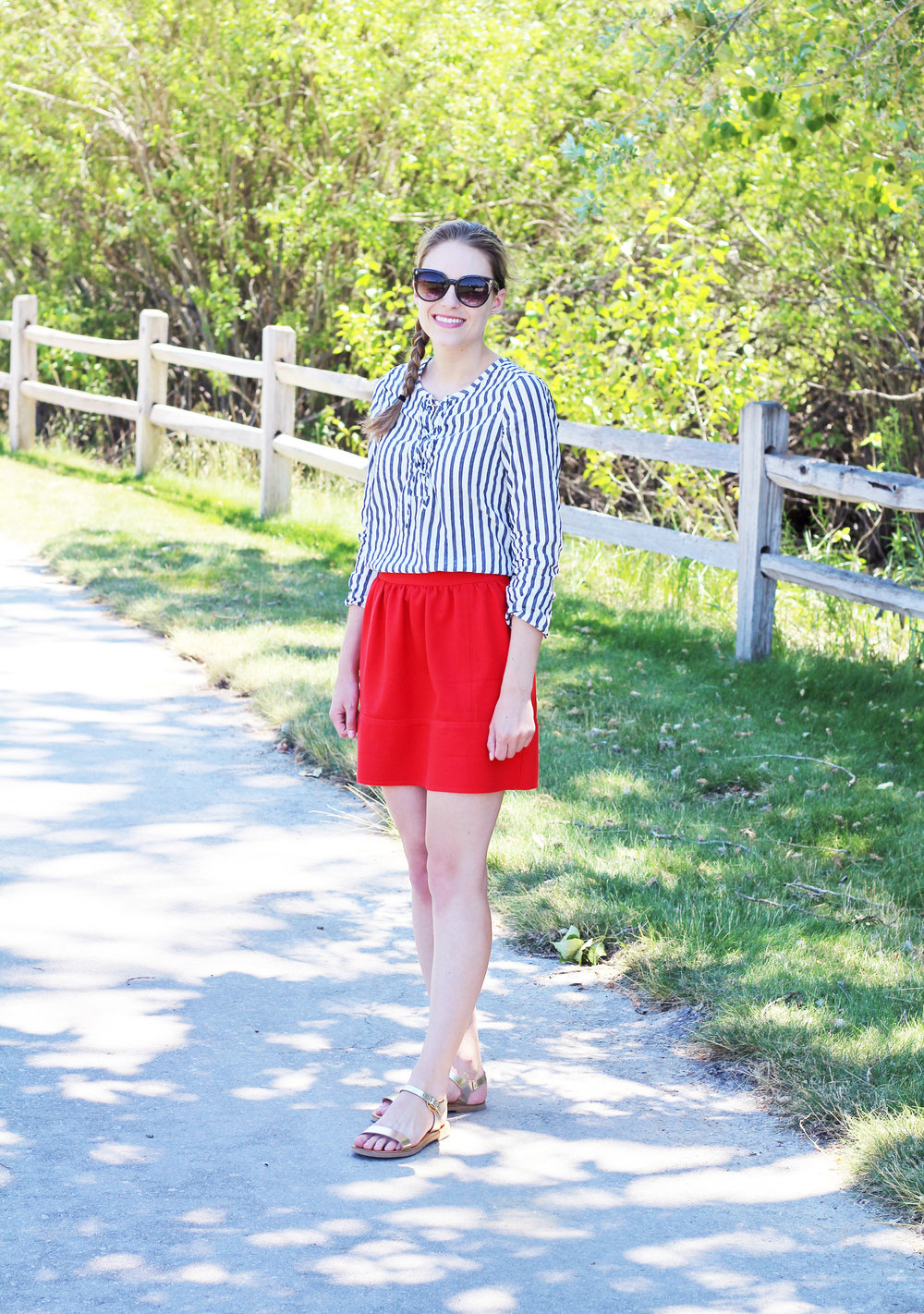 Summer outfit with red mini skirt, striped top, gold sandals — Cotton Cashmere Cat Hair
