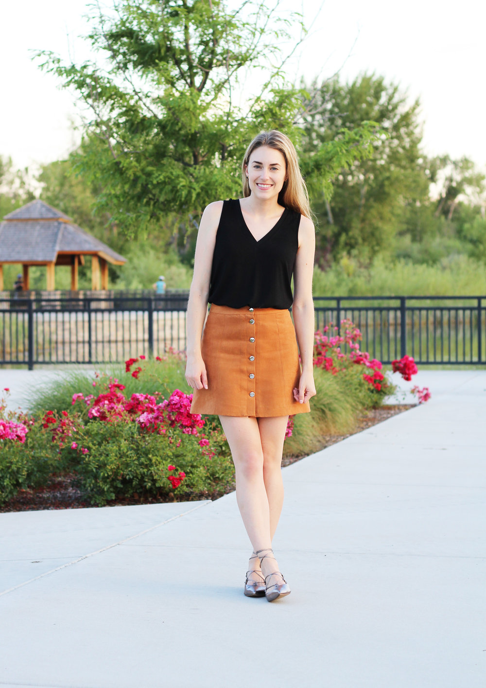 Simple night out summer outfit with blank tank and tan skirt — Cotton Cashmere Cat Hair