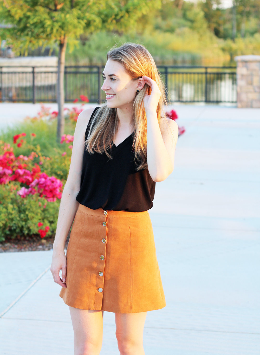 Summer date night outfit — Cotton Cashmere Cat Hair