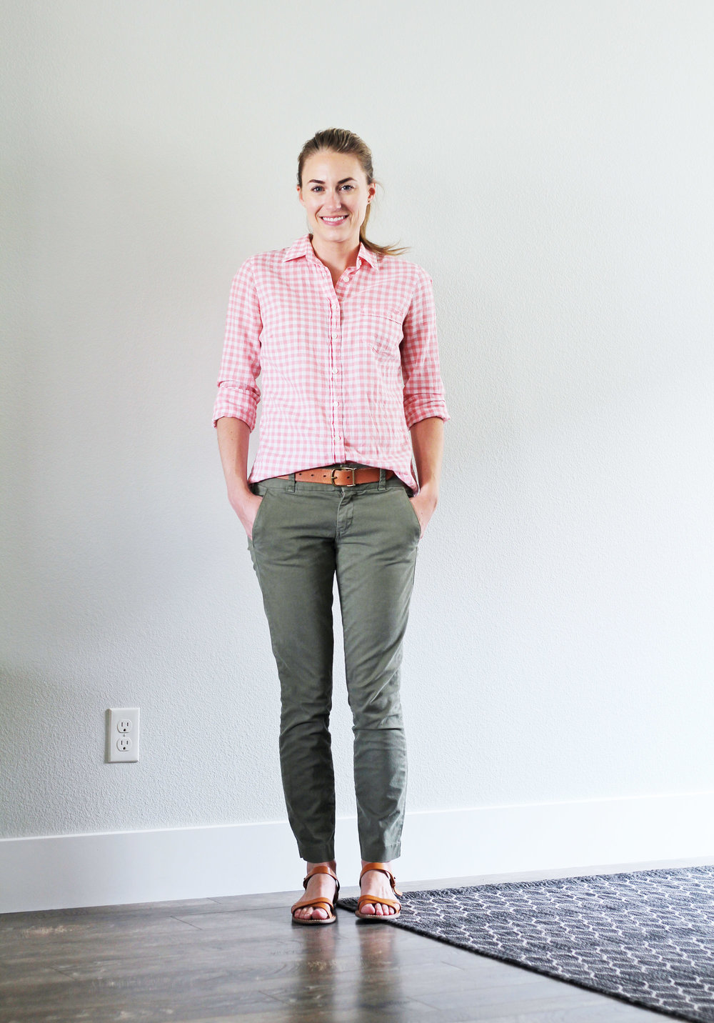 Smart casual summer work outfit with pink gingham shirt — Cotton Cashmere Cat Hair