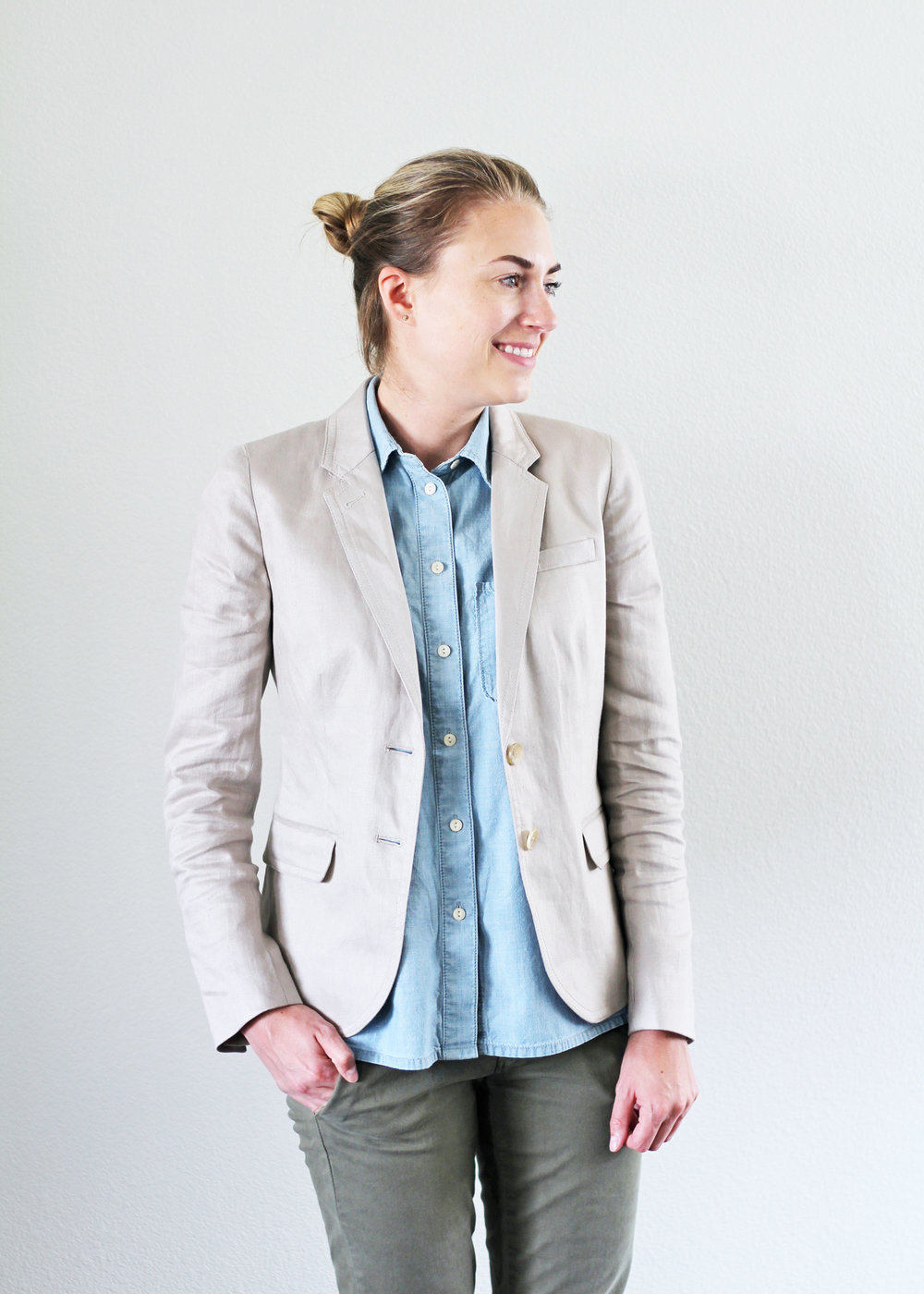 Summer work outfit with linen blazer — Cotton Cashmere Cat Hair