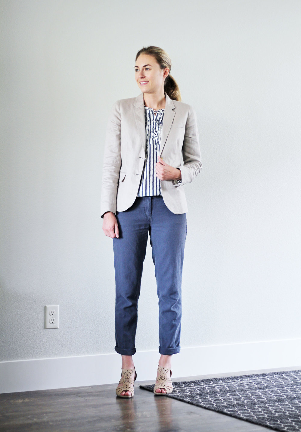 Summer work outfit with cotton-linen pants and linen blazer — Cotton Cashmere Cat Hair