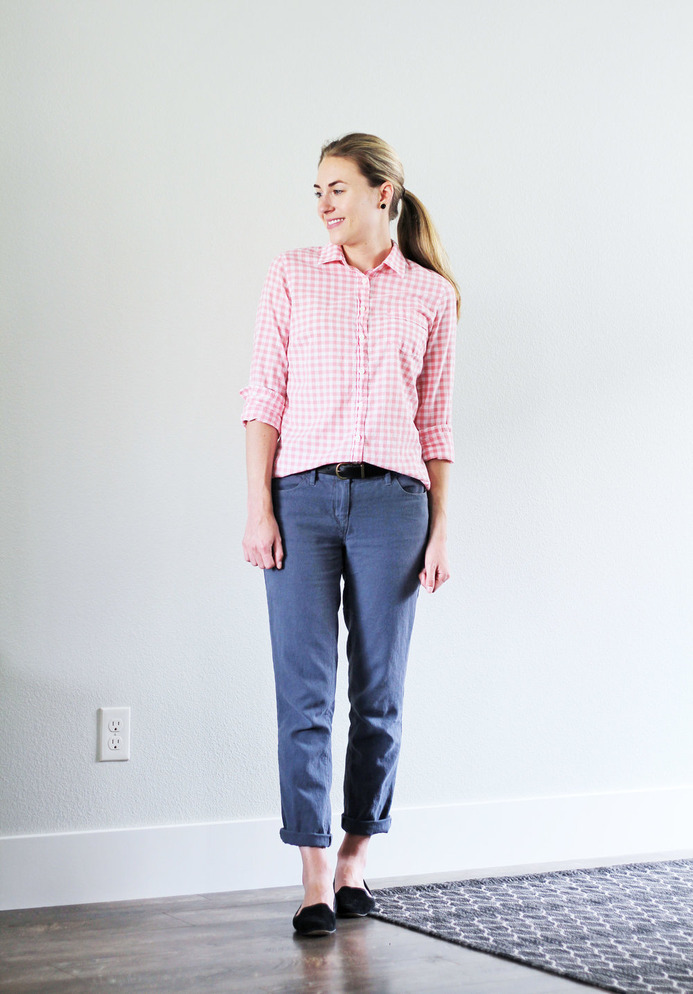 Pink gingham shirt work outfit for summer — Cotton Cashmere Cat Hair