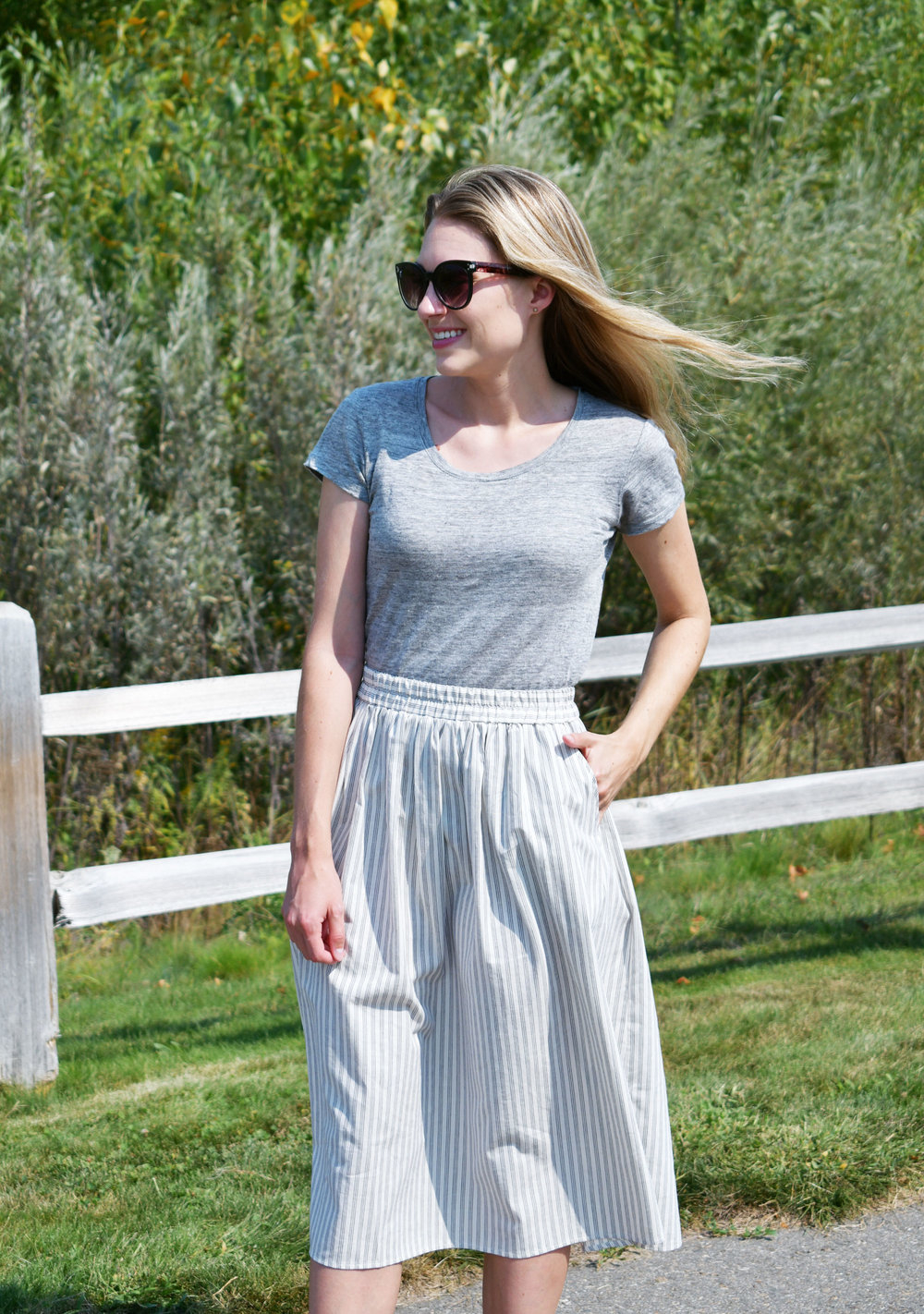 Summer work outfit with striped midi skirt and linen tee — Cotton Cashmere Cat Hair