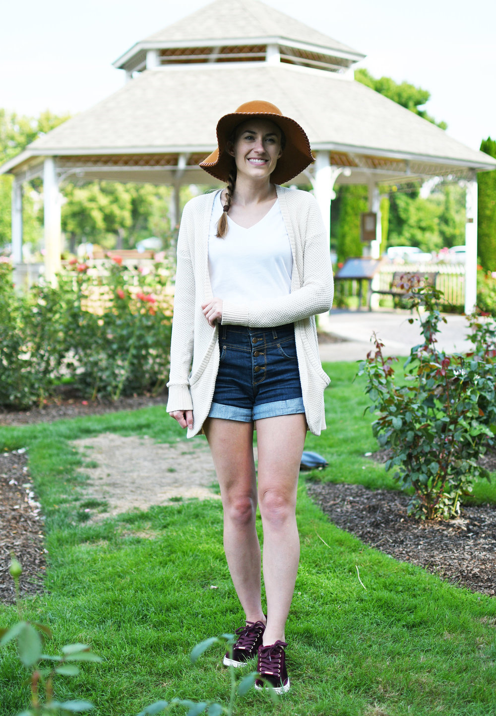 Fall outfit with long cardigan, high-rise denim shorts, floppy hat — Cotton Cashmere Cat Hair