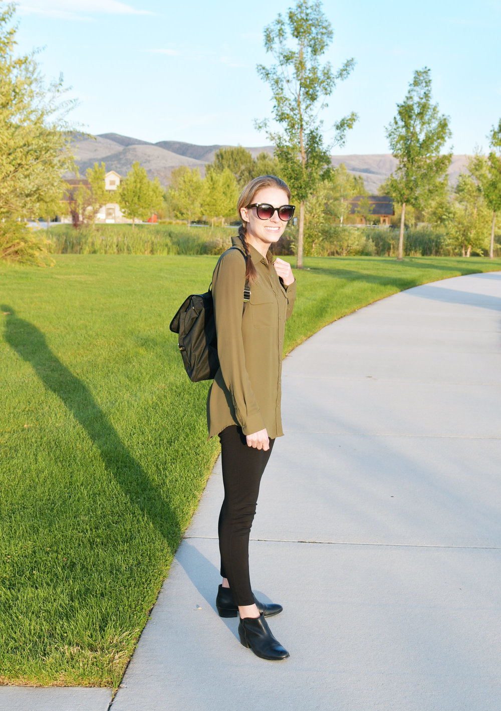 Fall outfit with olive green shirt, black pants, black ankle boots — Cotton Cashmere Cat Hair