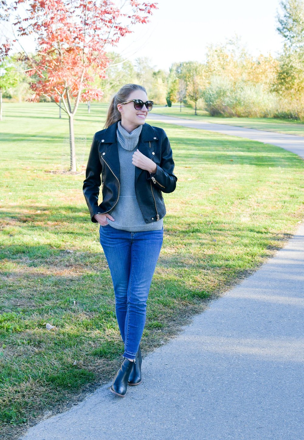 Fall outfit with leather jacket and drop hem skinny jeans — Cotton Cashmere Cat Hair