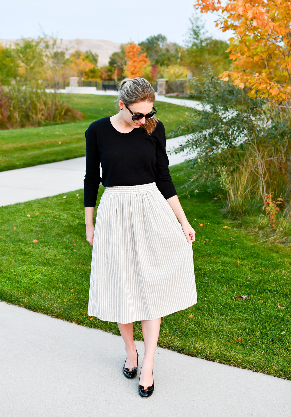 Amour Vert 'Greta' midi skirt fall outfit — Cotton Cashmere Cat Hair