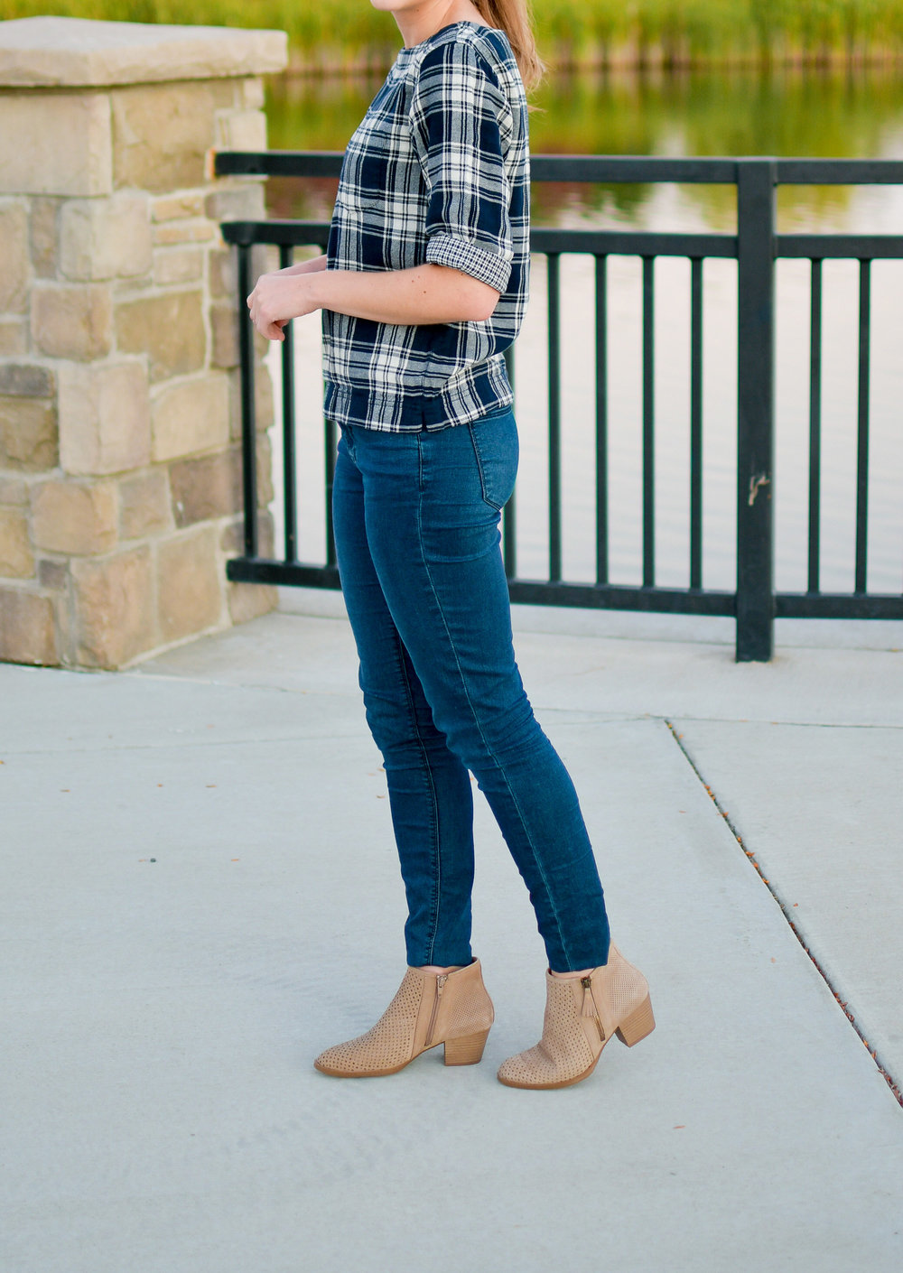 Earth Pineberry ankle boots fall outfit — Cotton Cashmere Cat Hair