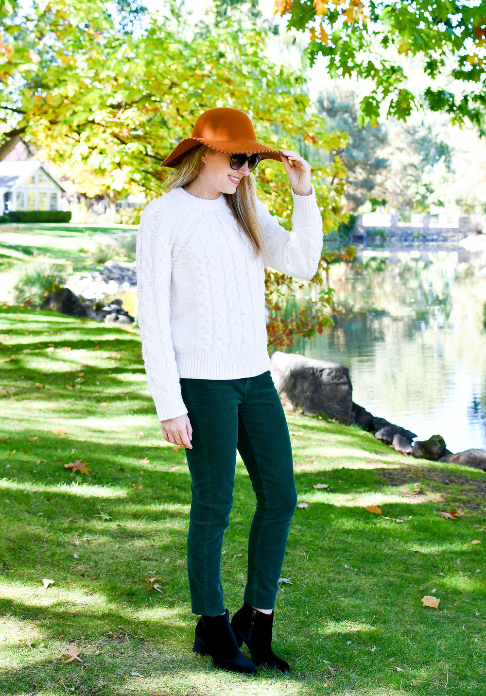 forest-green-corduroy-pants-outfit.jpg