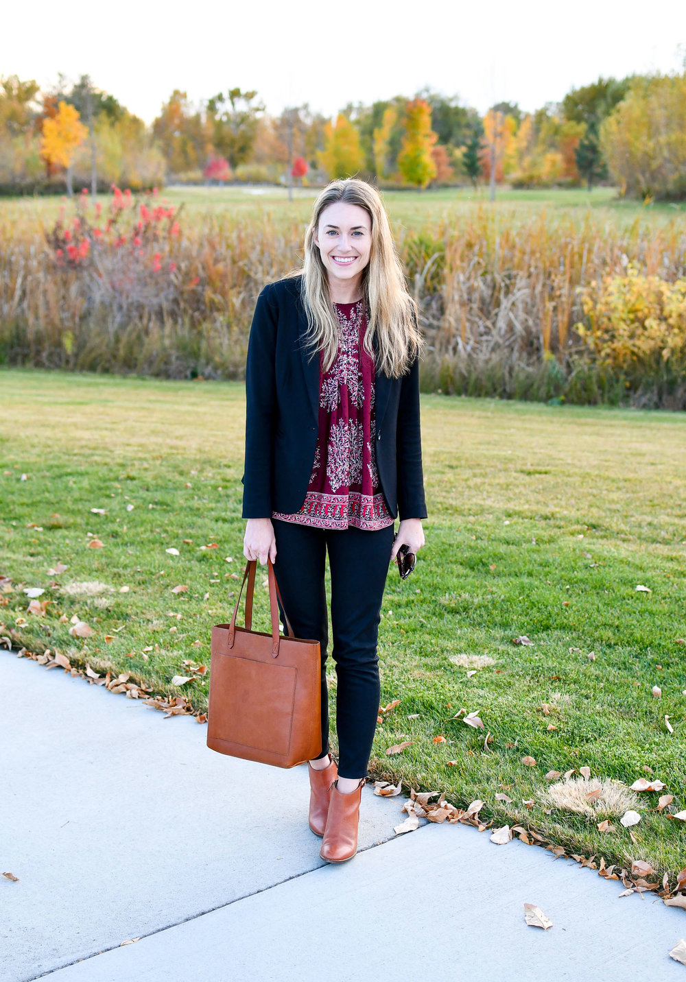 Fall outfit with black Everlane skinny jeans — Cotton Cashmere Cat Hair