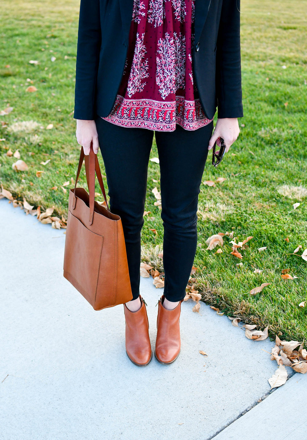 Work outfit with Madewell medium transport tote — Cotton Cashmere Cat Hair