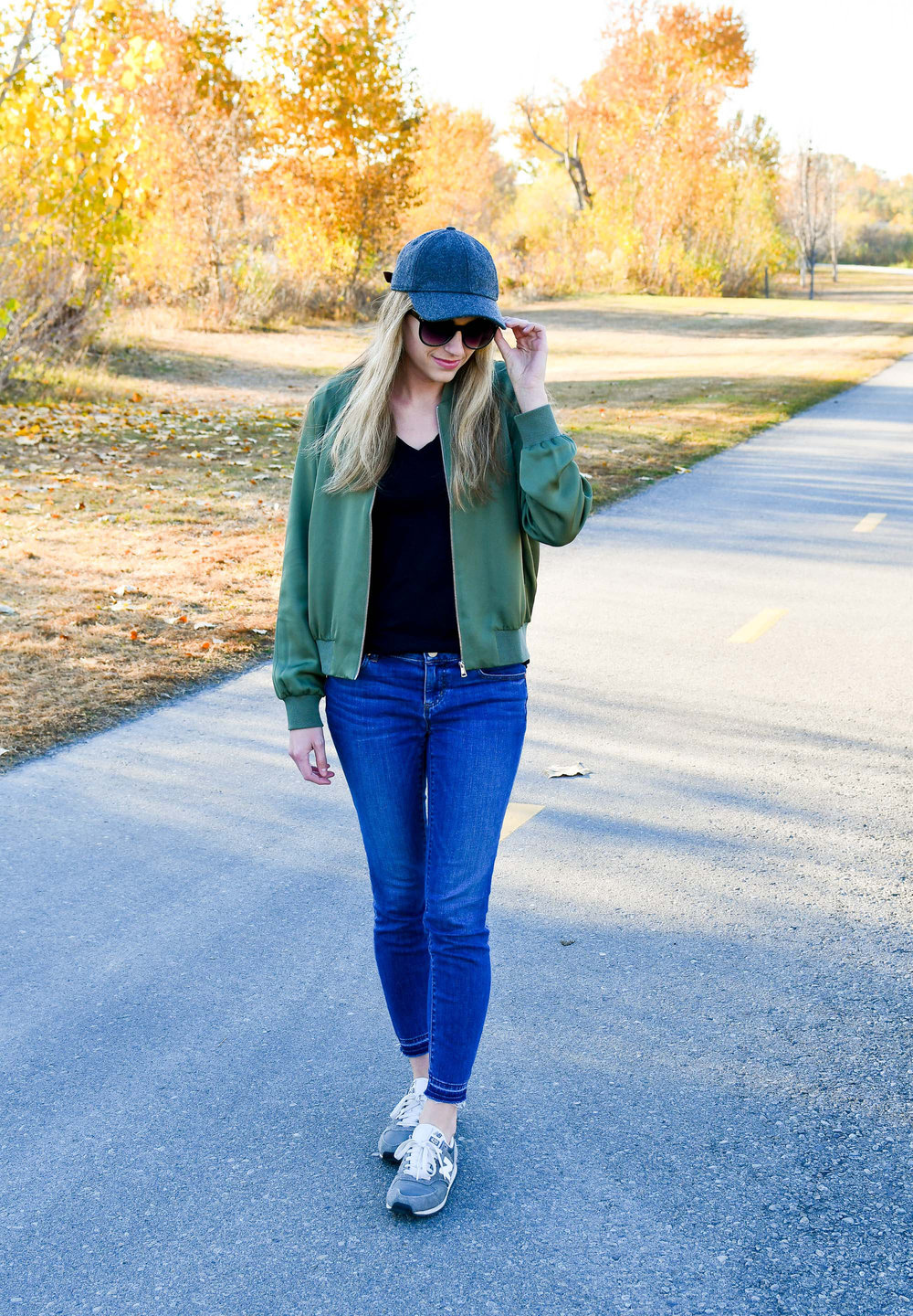 Fall outfit with baseball cap, bomber jacket, sneakers — Cotton Cashmere Cat Hair