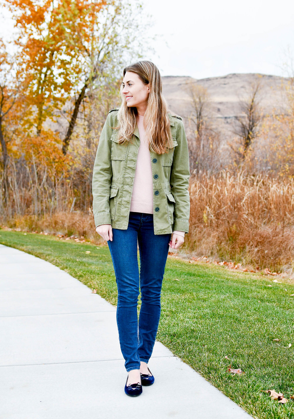 Fall outfit with army green utility jacket — Cotton Cashmere Cat Hair