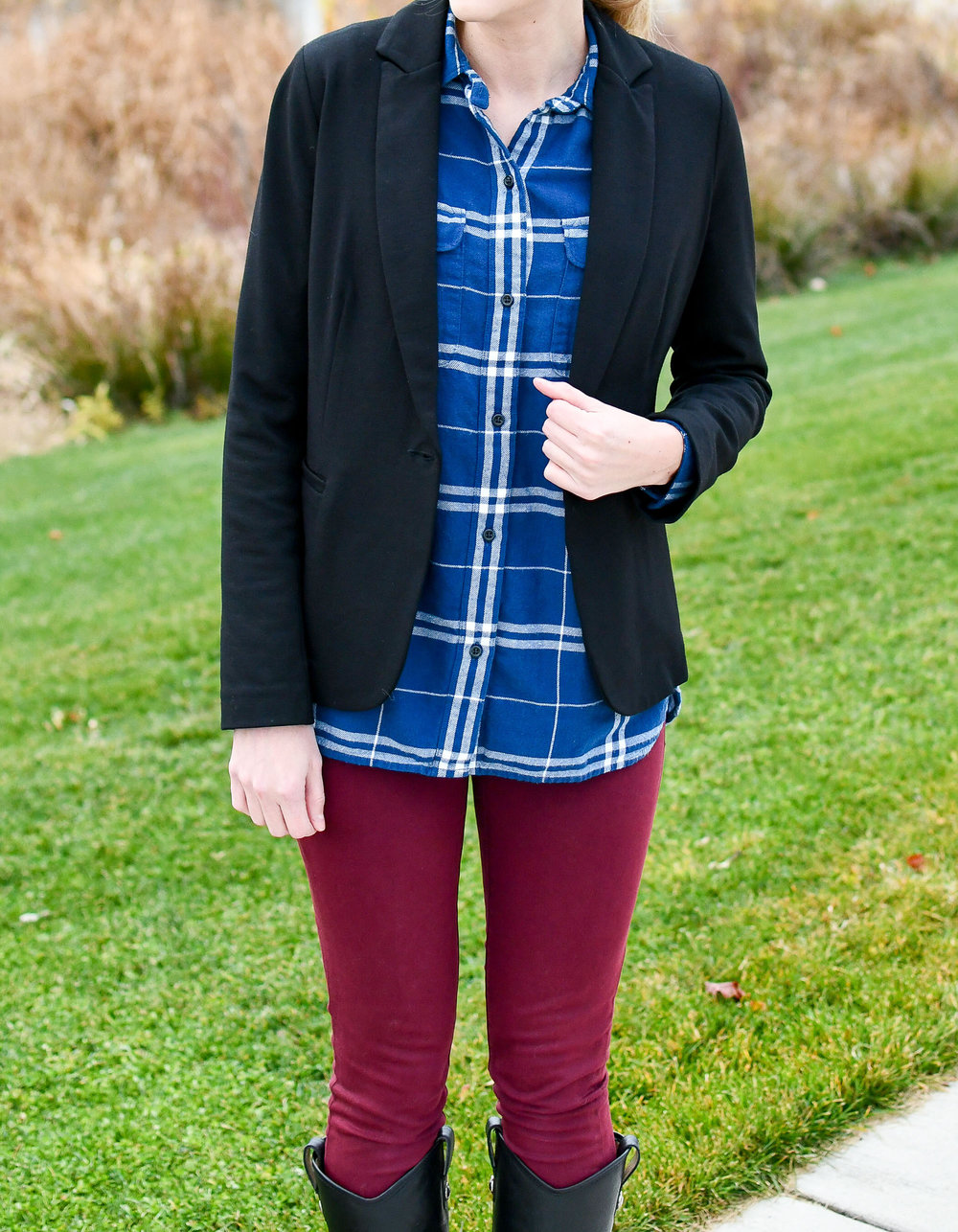 Blue plaid flannel shirt fall outfit — Cotton Cashmere Cat Hair