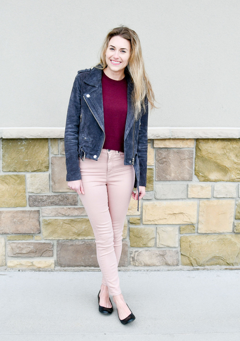 Fall outfit with blush pink skinny jeans — Cotton Cashmere Cat Hair