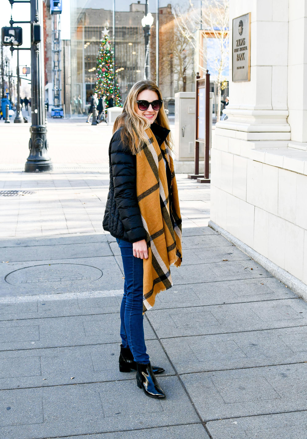 Winter outfit with packable puffer coat — Cotton Cashmere Cat Hair