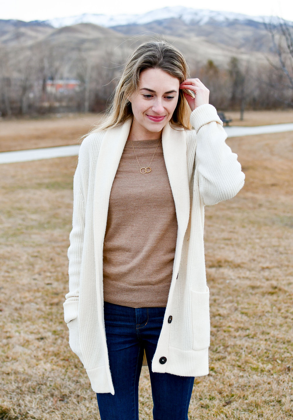 Winter outfit with ivory cardigan — Cotton Cashmere Cat Hair