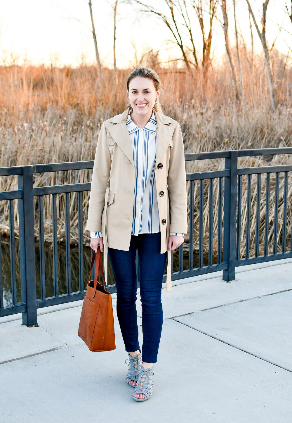 Spring work outfit with short trench coat — Cotton Cashmere Cat Hair