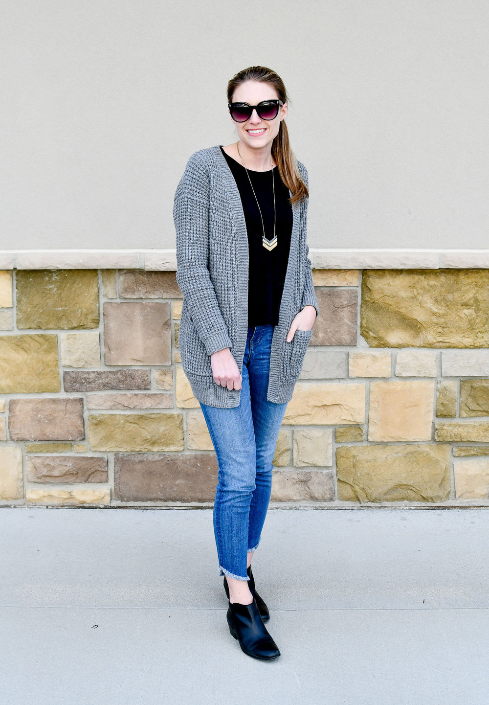 Madewell skinny jeans spring outfit — Cotton Cashmere Cat Hair