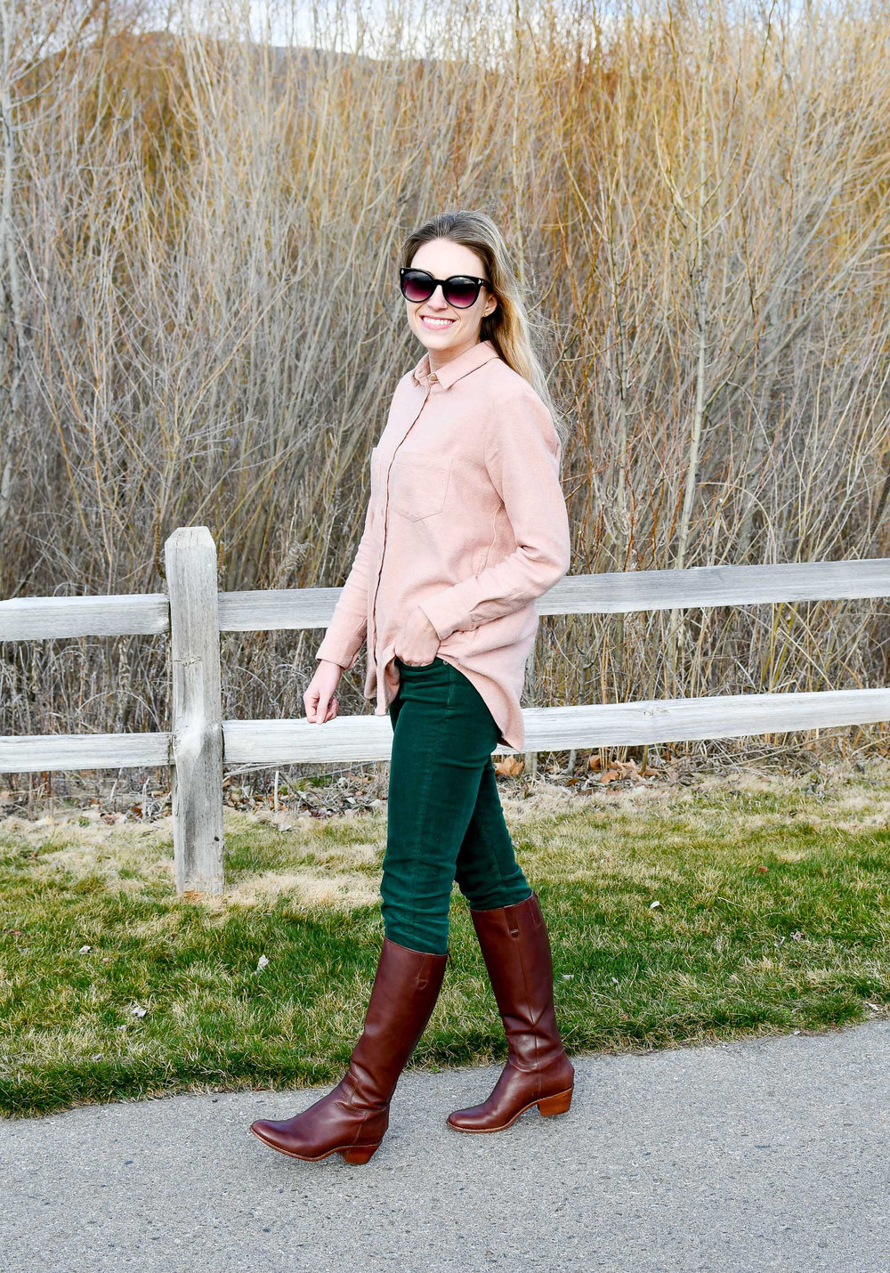 Pink and green spring outfit — Cotton Cashmere Cat Hair