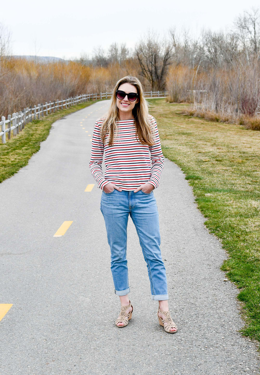 Spring outfit with red and navy striped tee — Cotton Cashmere Cat Hair