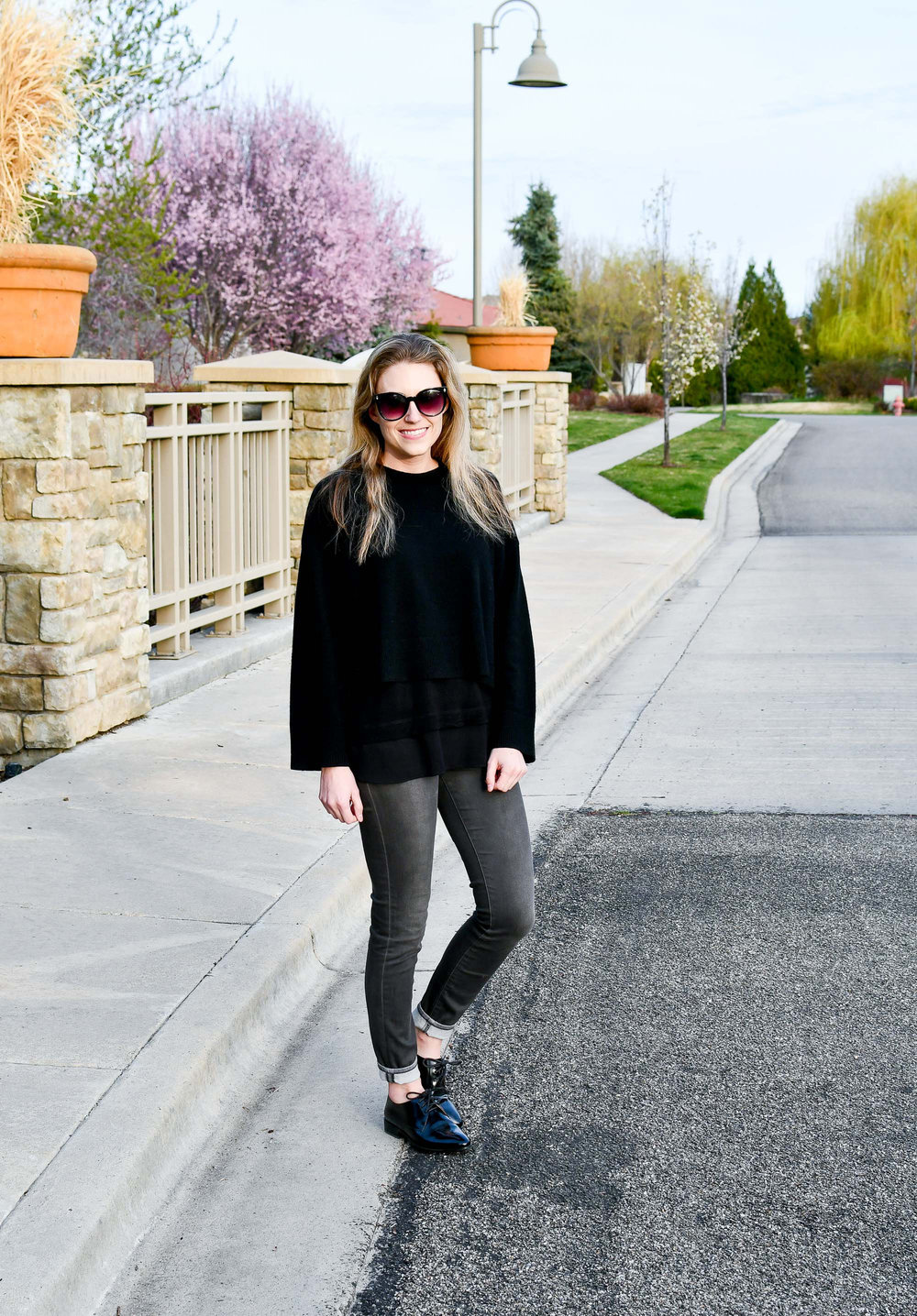 Spring outfit with black and grey — Cotton Cashmere Cat Hair