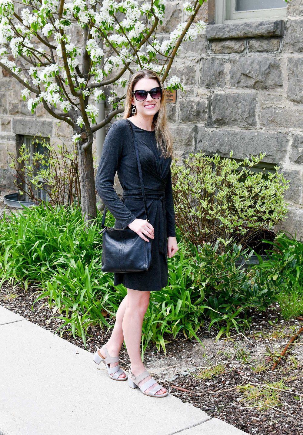 Spring outfit with grey dress and black bag — Cotton Cashmere Cat Hair
