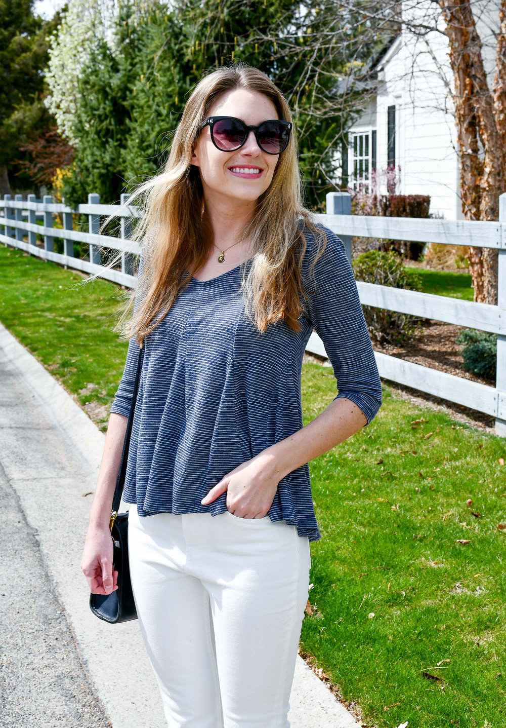 Spring outfit with navy striped top and white jeans — Cotton Cashmere Cat Hair