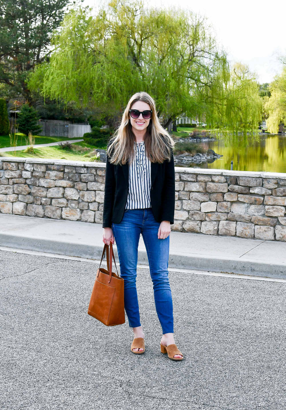 Spring work outfit with black blazer and Madewell Transport tote — Cotton Cashmere Cat Hair
