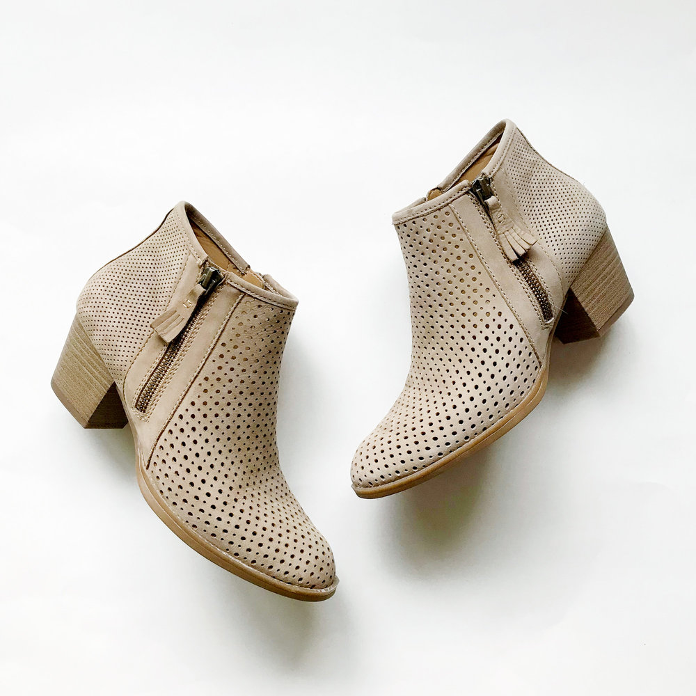 Earth Pineberry ankle boots — Cotton Cashmere Cat Hair