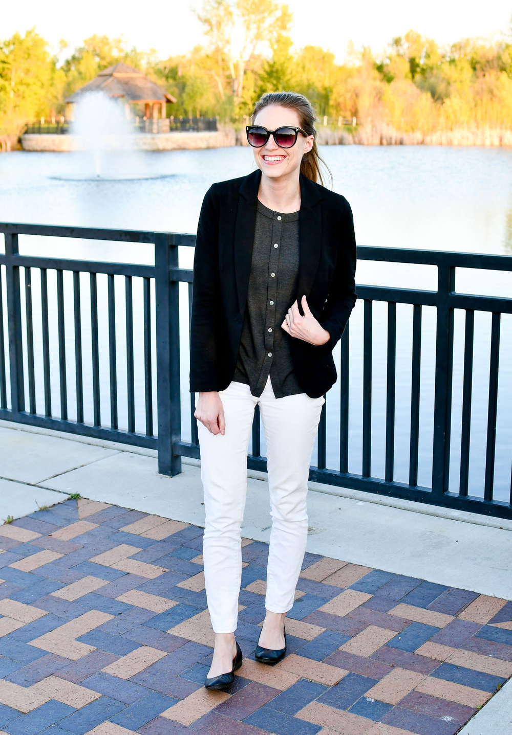 Black and white spring outfit — Cotton Cashmere Cat Hair