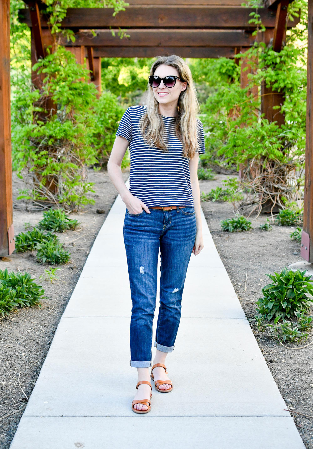 Striped linen tee outfit with boyfriend jeans and sandals — Cotton Cashmere Cat Hair